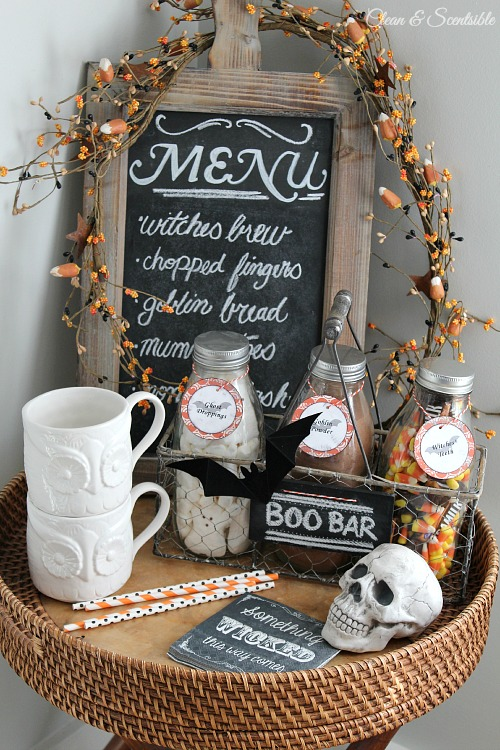 Cute Halloween hot chocolate bar and tons of other fun Halloween ideas!