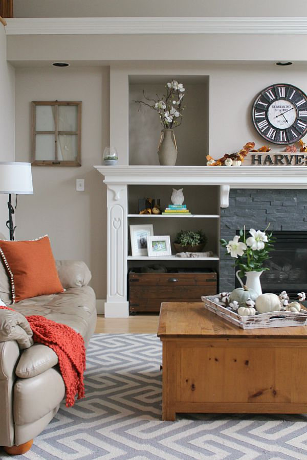 Beautiful fall home tour with lots of simple fall decor ideas!