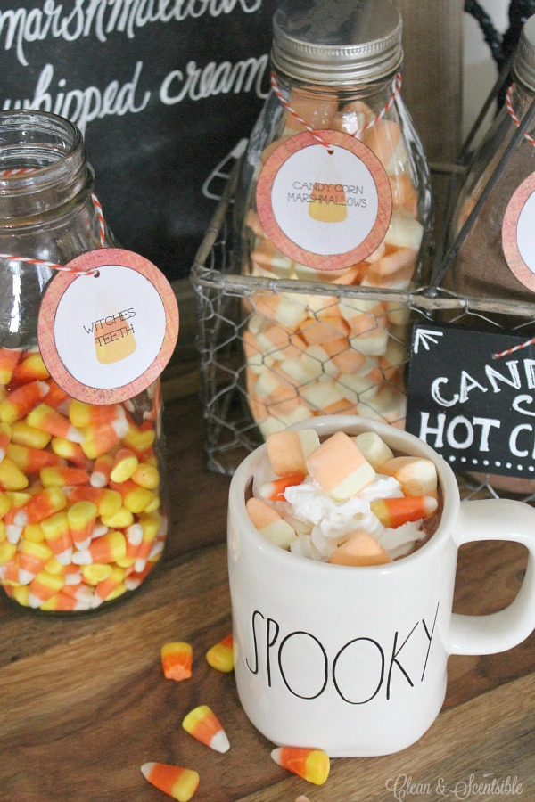 Halloween Hot Chocolate Bar with free printables. Such a cute Halloween vignette!