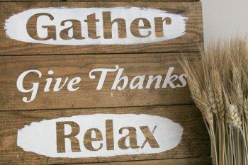 DIY Rustic Thanksgiving Sign