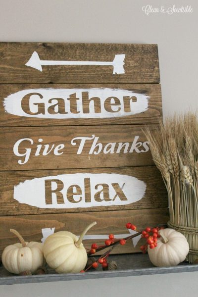 DIY Rustic Thanksgiving Sign