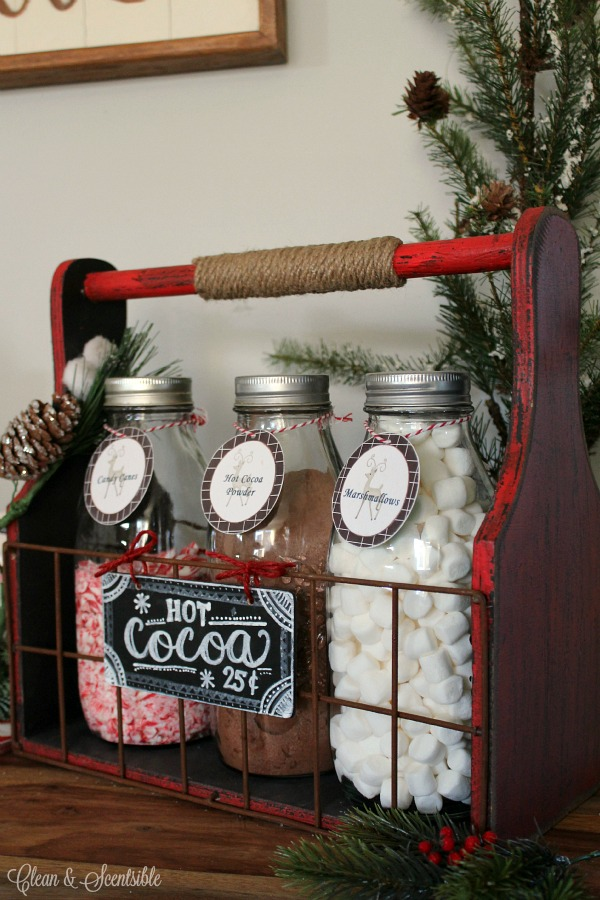 Love this cute hot cocoa bar! Free printables included.