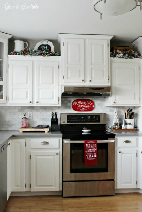 Christmas decorating ideas for the kitchen with traditional red and white.