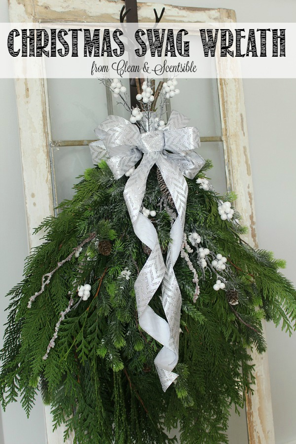Simple DIY Christmas Wreath. This is so pretty and can be made in less than 30 minutes.
