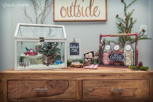 Love this cute hot cocoa bar!