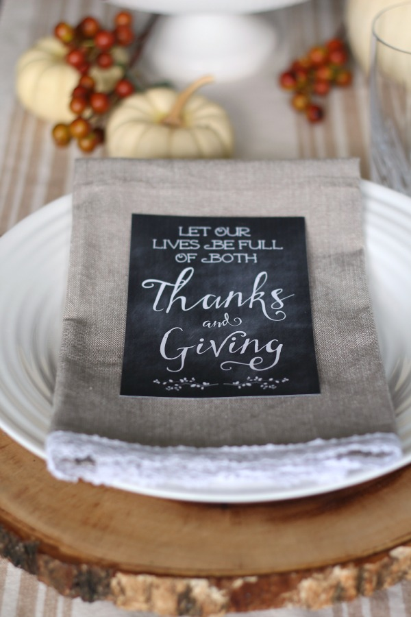 Free Thanksgiving printables with lots of creative ways to use them in your holiday decor!