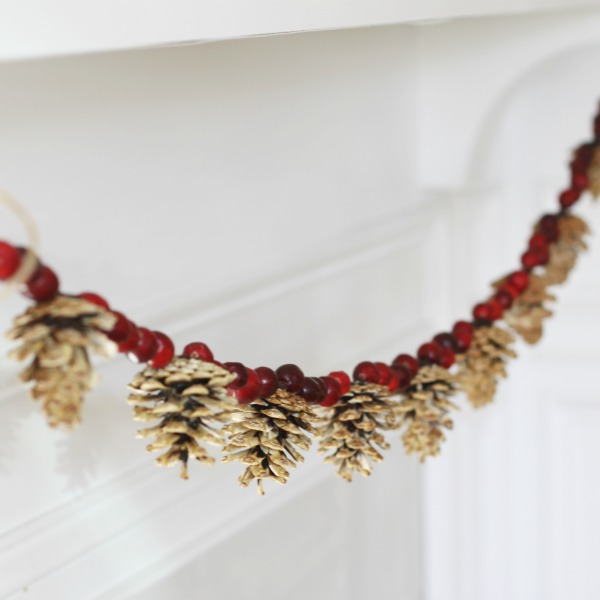 Beautiful bleached pine cone and cranberry garland. Perfect for your Christmas  decorating or winter decor - Pinecone And Cranberry Garland - Clean And Scentsible