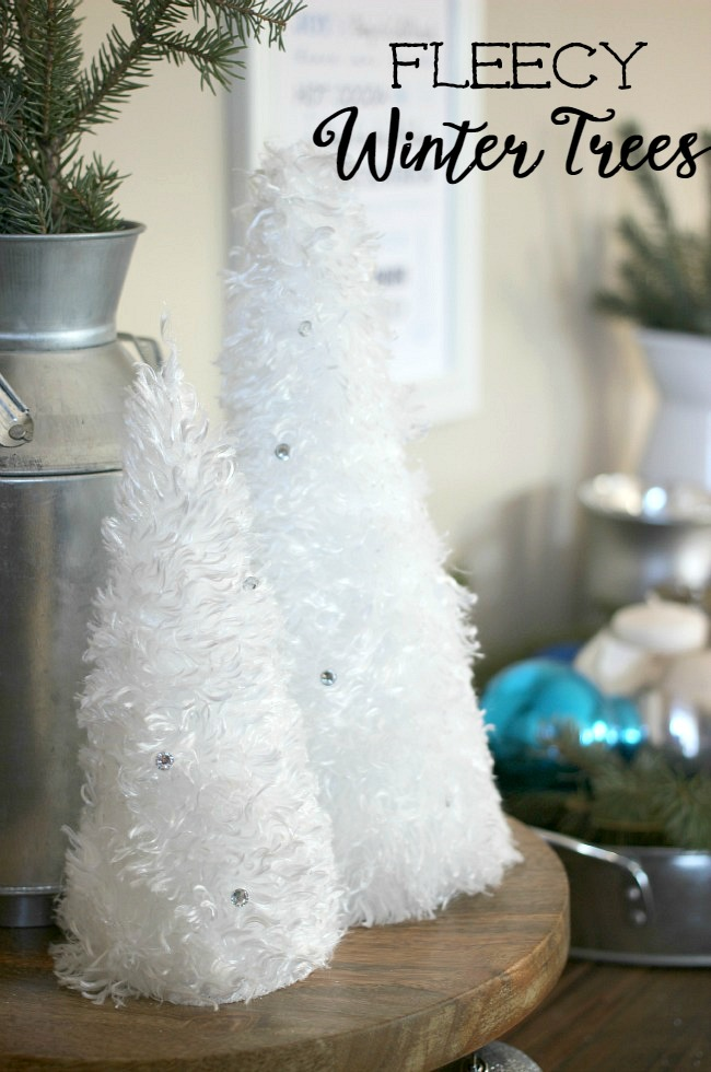 These fleecy winter trees are perfect for Christmas right through the winter season. Super soft and only 5 minutes to make!