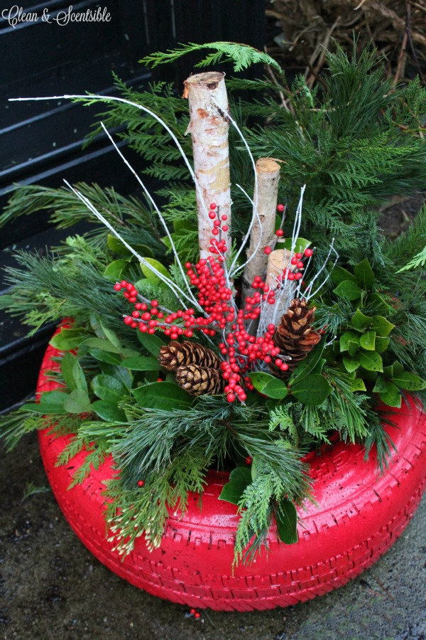 Turn a recycled tire into a welcoming Christmas planter!