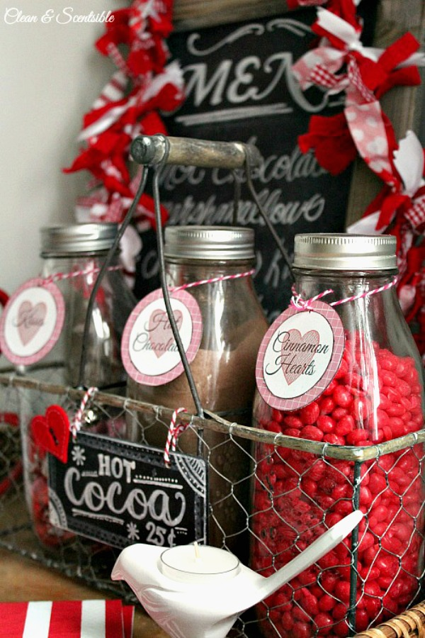 This Valentine's Day hot chocolate bar is so cute!