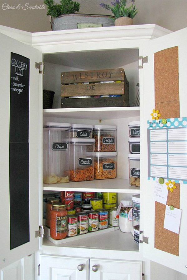 Great tips for small pantry organization.