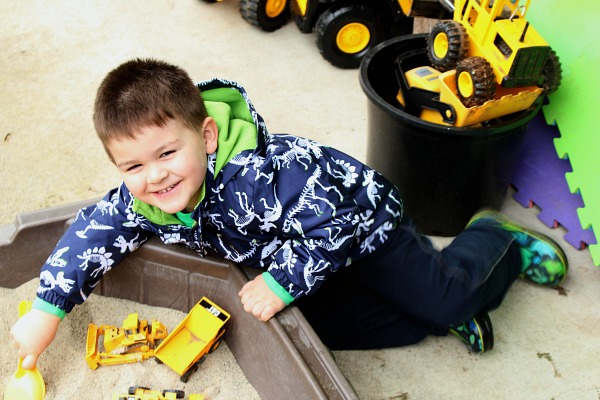 Ways to let your kids explore through creative play.
