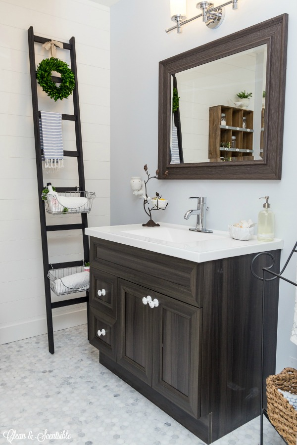 Great  items to declutter NOW from the bathroom Great list to help you get things
