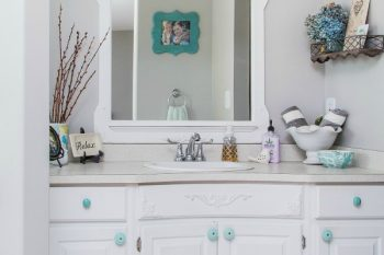 20 Things to Declutter from the Bathroom