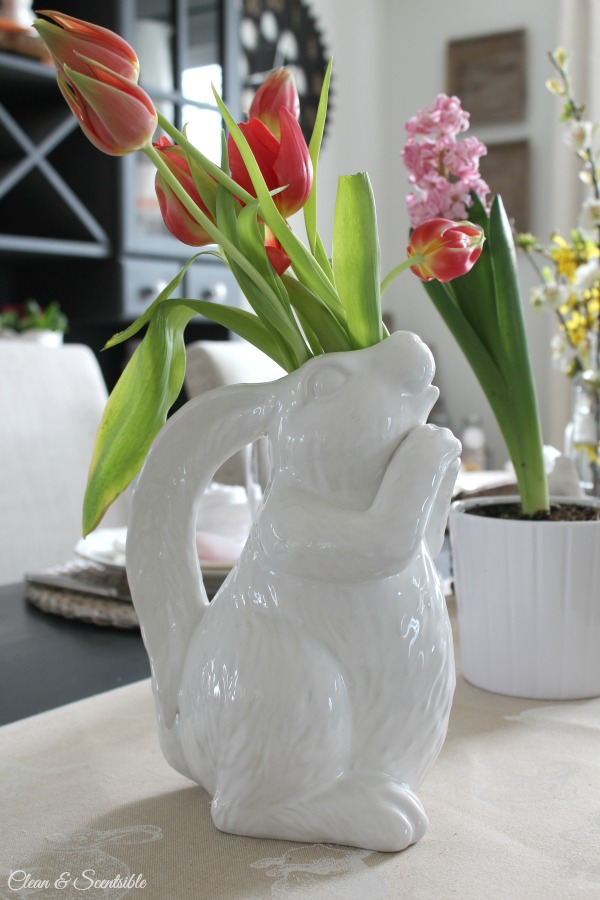 Beautiful Easter decor and spring decorating ideas. I love this bunny pitcher!