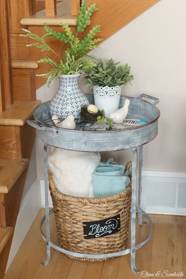 Beautiful spring home tour with lots of simple decor ideas to decorate your home for spring!