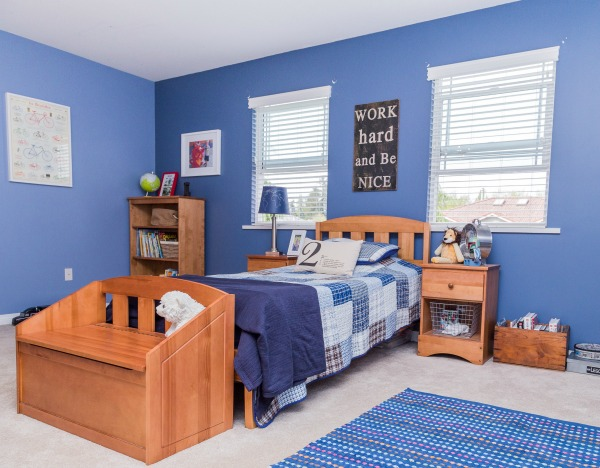 How to Clean Your Bedroom As home cleaning professionals, Molly Maid has cleaned a fair share of dirty bedrooms and learned a few lessons along the way. Below are some general cleaning tips to maximize your time and bedroom cleanliness.