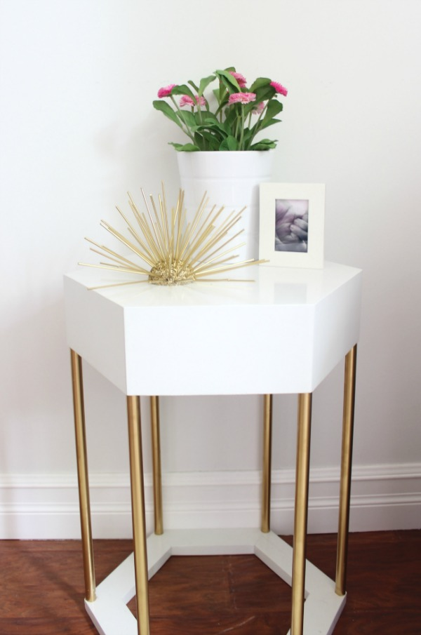 Easy DIY gold orb to add to your modern decor.