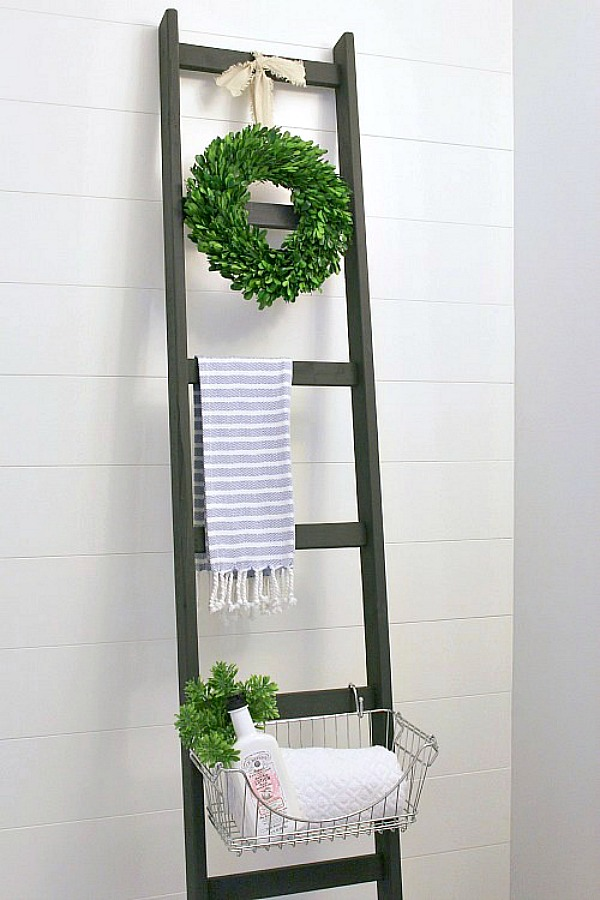 DIY Storage Ladder - such a great way to add extra storage to small spaces!