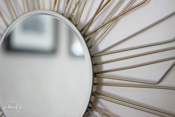 Mirror Close Up