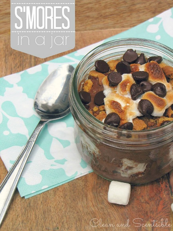 All the deliciousness of s'mores in individual mason jars!