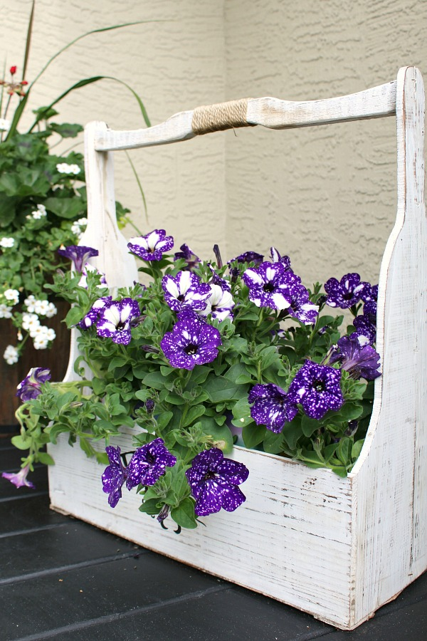 simple summer decorating ideas for your front porch or patio beautiful - Front Porch Decorating Ideas