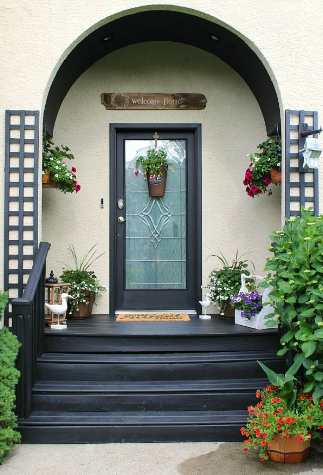 Beautiful summer front porch decorating ideas and summer home tour.