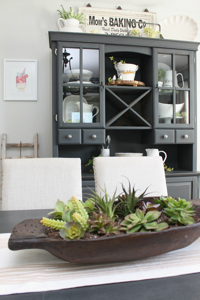 Beautiful simple summer home tour and summer decor ideas.