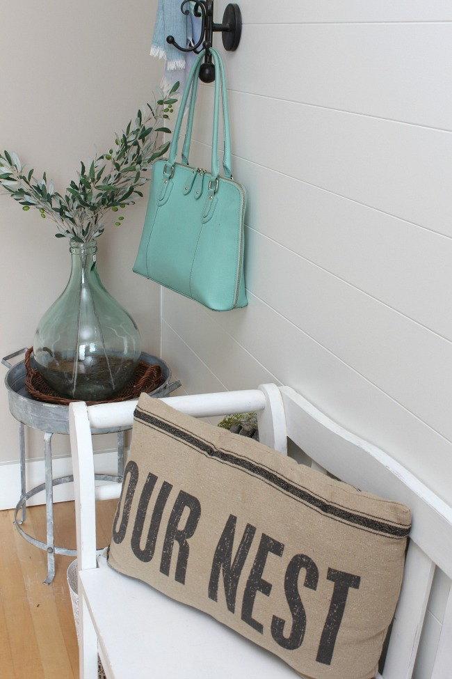 Simple summer home tour with a farmhouse style.