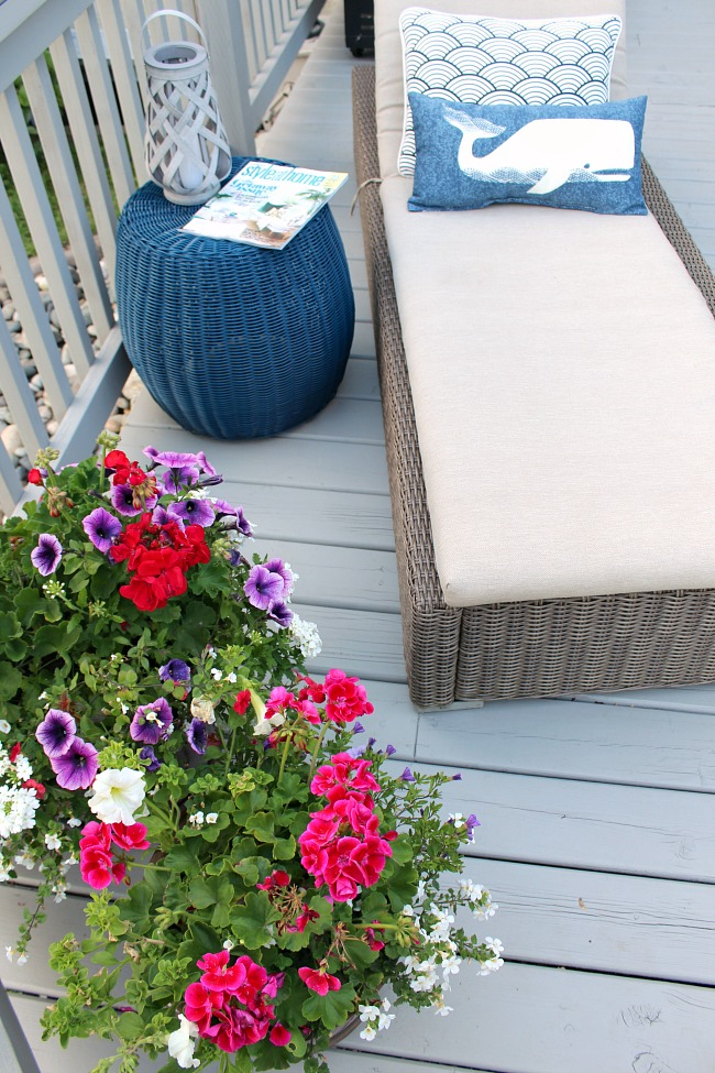 Lots of great ideas to design and decorate your backyard patio for summer!