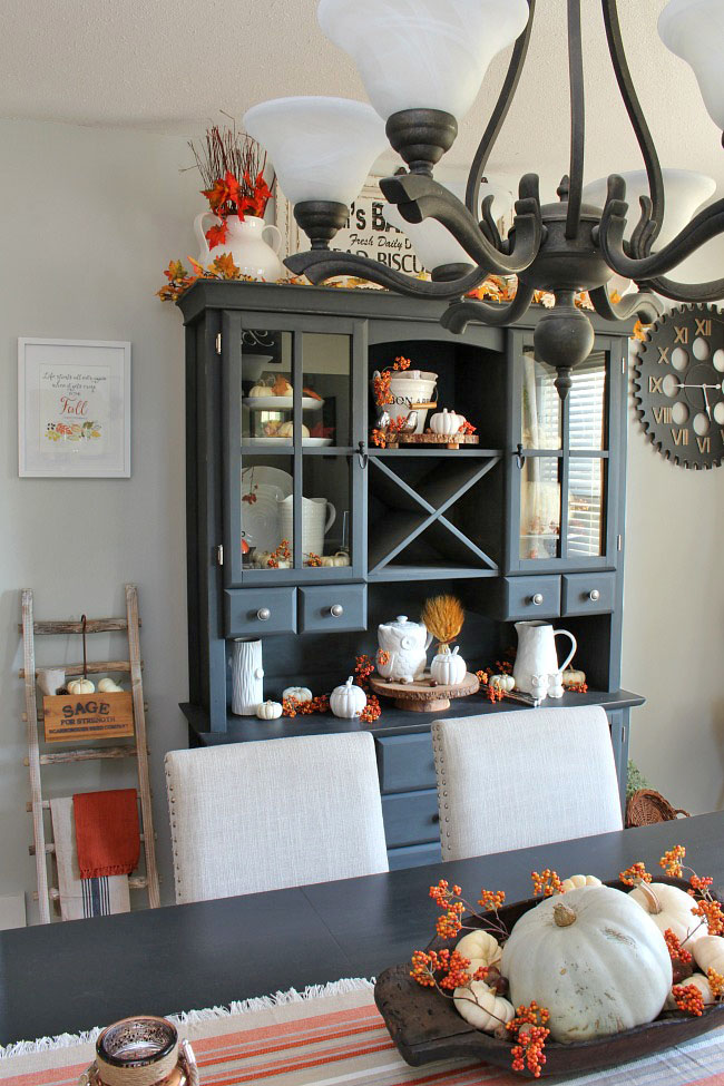 Simple Fall Decor Inspiration - Clean And Scentsible