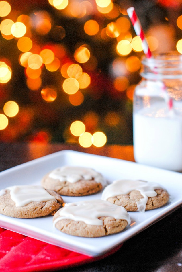 The best Christmas cookie recipes! Perfect for Christmas baking or Christmas Cookie exchanges.