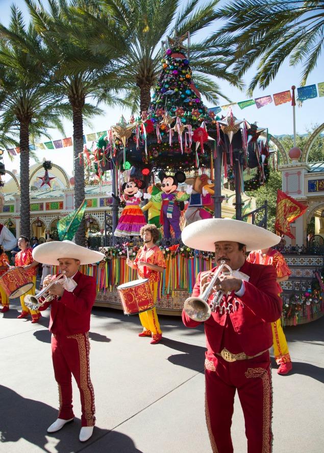 Aviva Navidad! at The Festival of Holidays at Disneyland California Adventure.10 must see things at Christmastime at Disneyland.