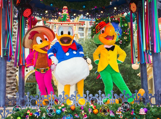 Disneyland California Adventure Festival of Holidays. 10 must see things at Christmastime at Disneyland.