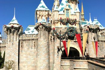 10 Magical Reasons to Visit Disneyland at Christmas