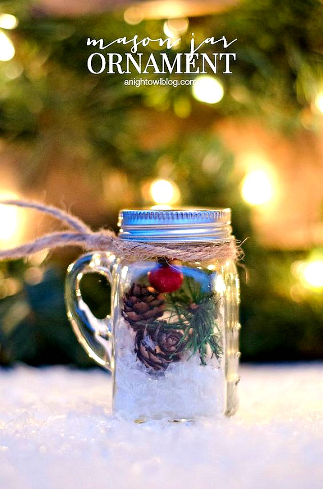 These little mini mason jar ornaments are SO cute and really quick and easy to make.