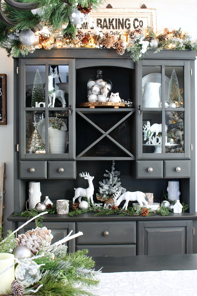 Snowy Neutral Christmas Dining Room Lots Of Beautiful Decorating Ideas For Your Home