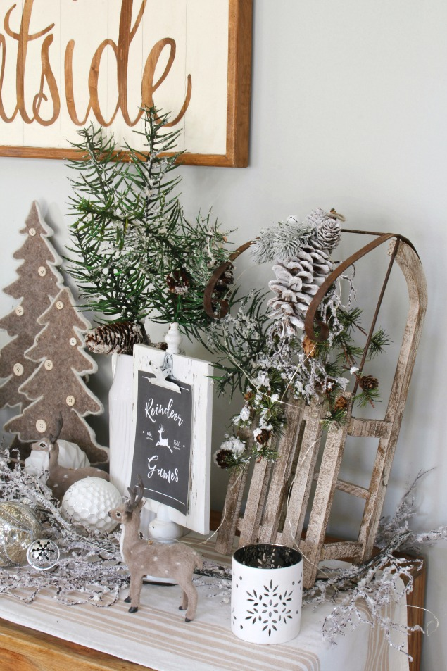 Snowy, neutral Christmas dining room. Lots of beautiful Christmas decorating ideas for your home.