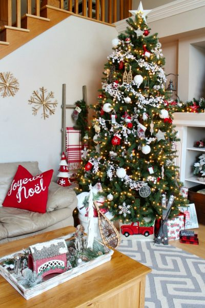 This beautiful Christmas home tour is filled with classic red and whites and a cozy, Christmas cabin feel. Lots of Christmas decorating ideas to try!