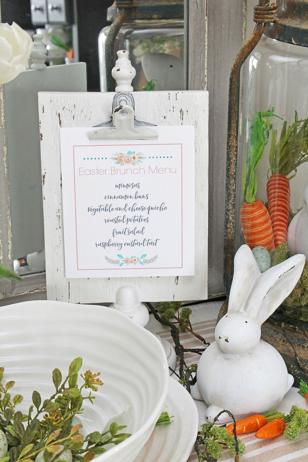 Spring Home Tour. Beautiful Easter and spring decorating ideas for the dining room. Lovely Easter tablescape with free printables.