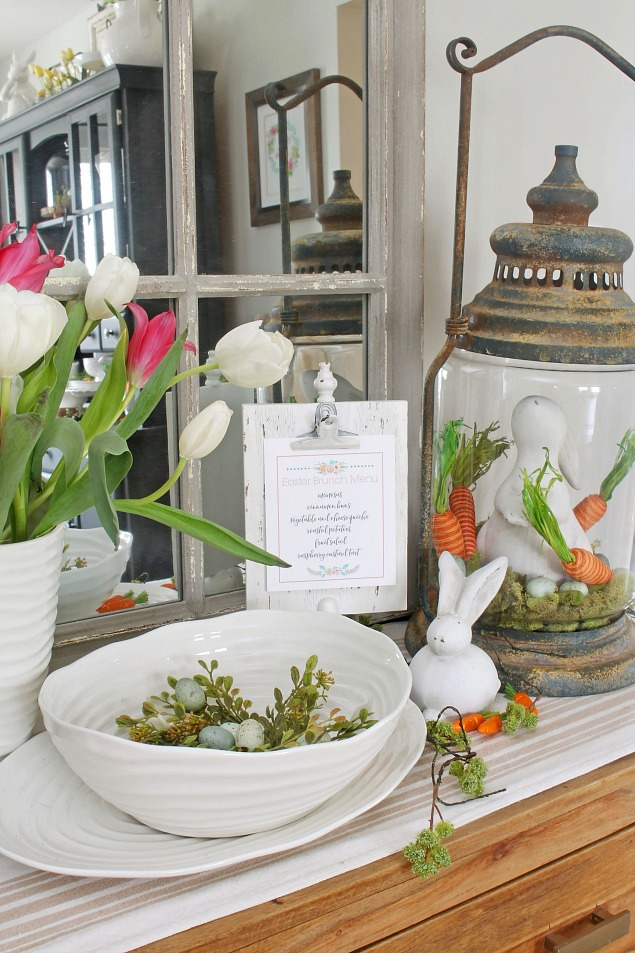 Spring Home Tour. Beautiful Easter and spring decorating ideas for the dining room with free Easter printables.