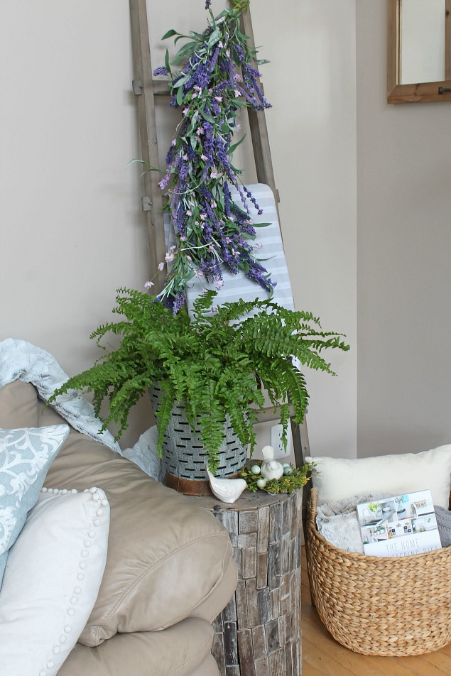 Beautiful spring decorating ideas using faux flowers.