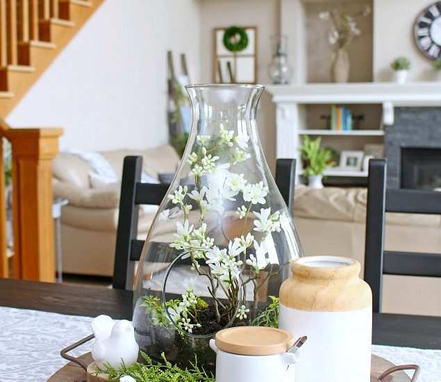 I love this simple spring centerpiece. So pretty and easy to do!