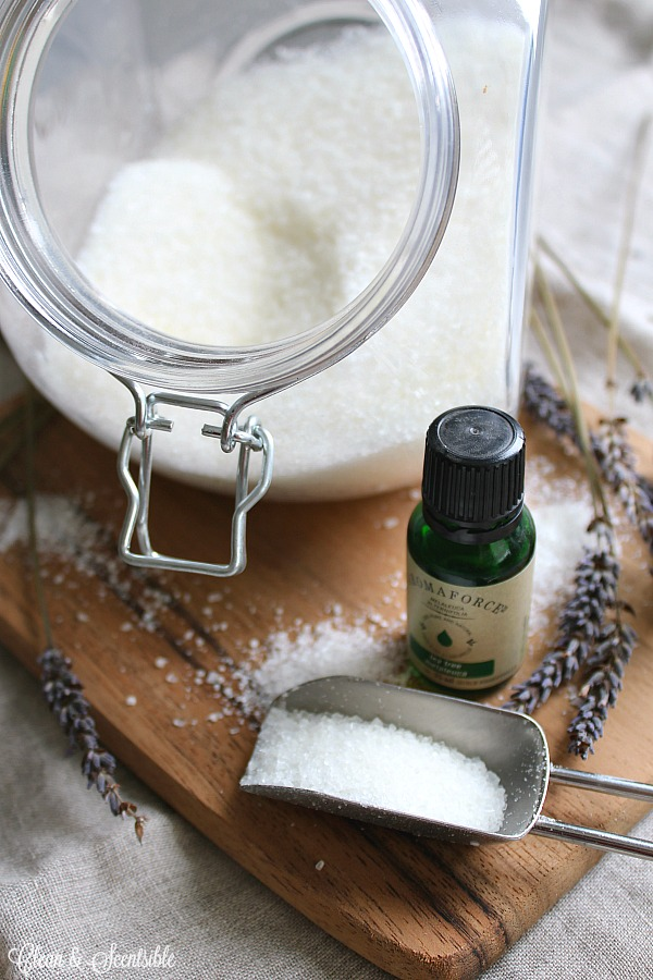This DIY laundry scent booster is non-toxic and can be customized to your favorite scent and intensity.
