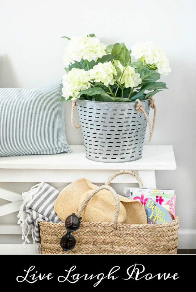 Beautiful summer entry way home tours. Simple summer decorating!