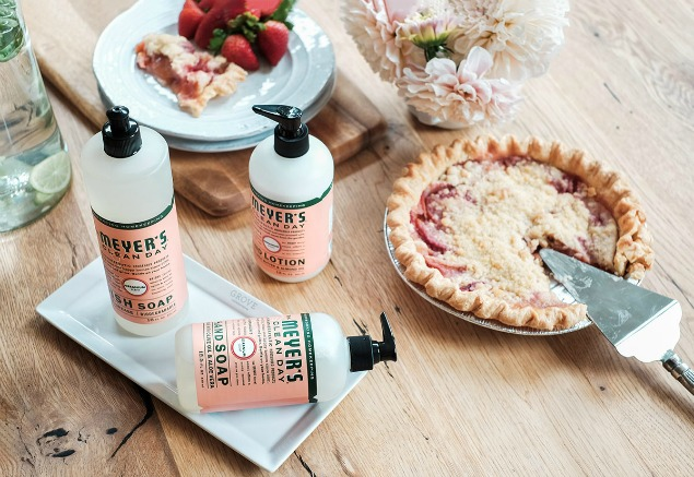 Free Mrs. Meyers gift set and ceramic white tray with your first purchase of $20 from Grove Collaborative.