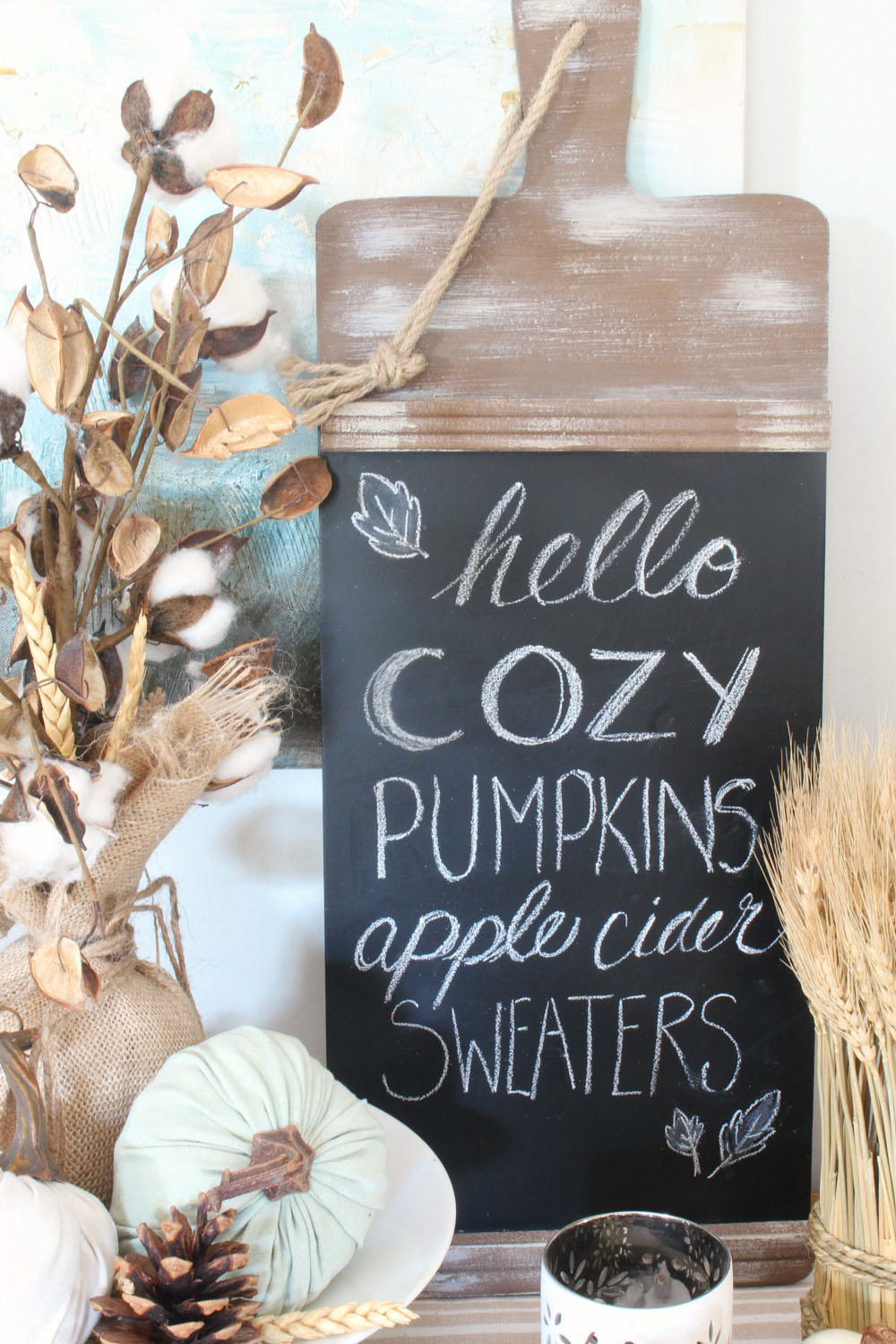 Cute fall chalkboard.