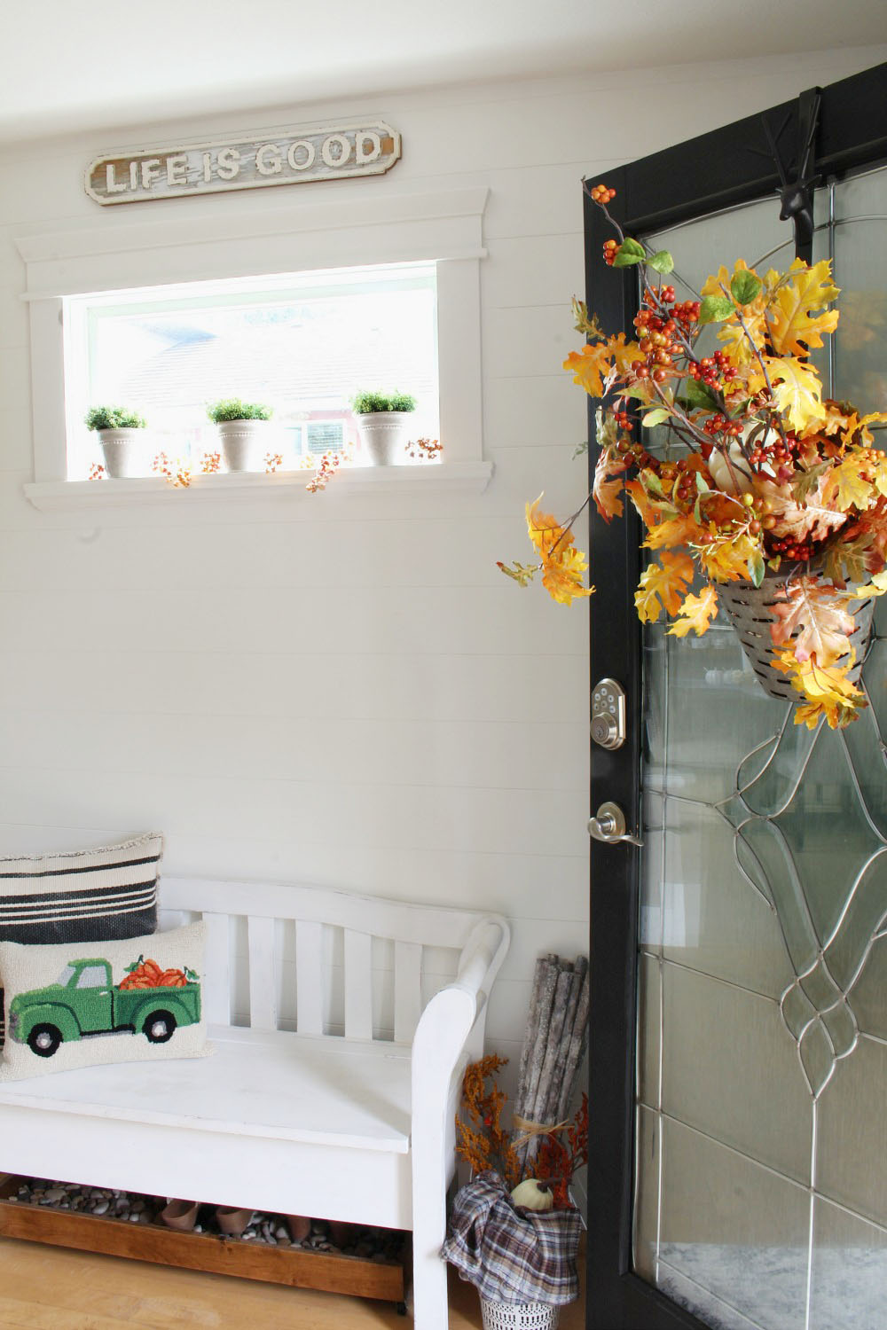 Fall Front Entry Decorating Tips - Clean and Scentsible