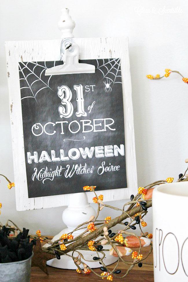 Free Halloween Chalkboard Printables.
