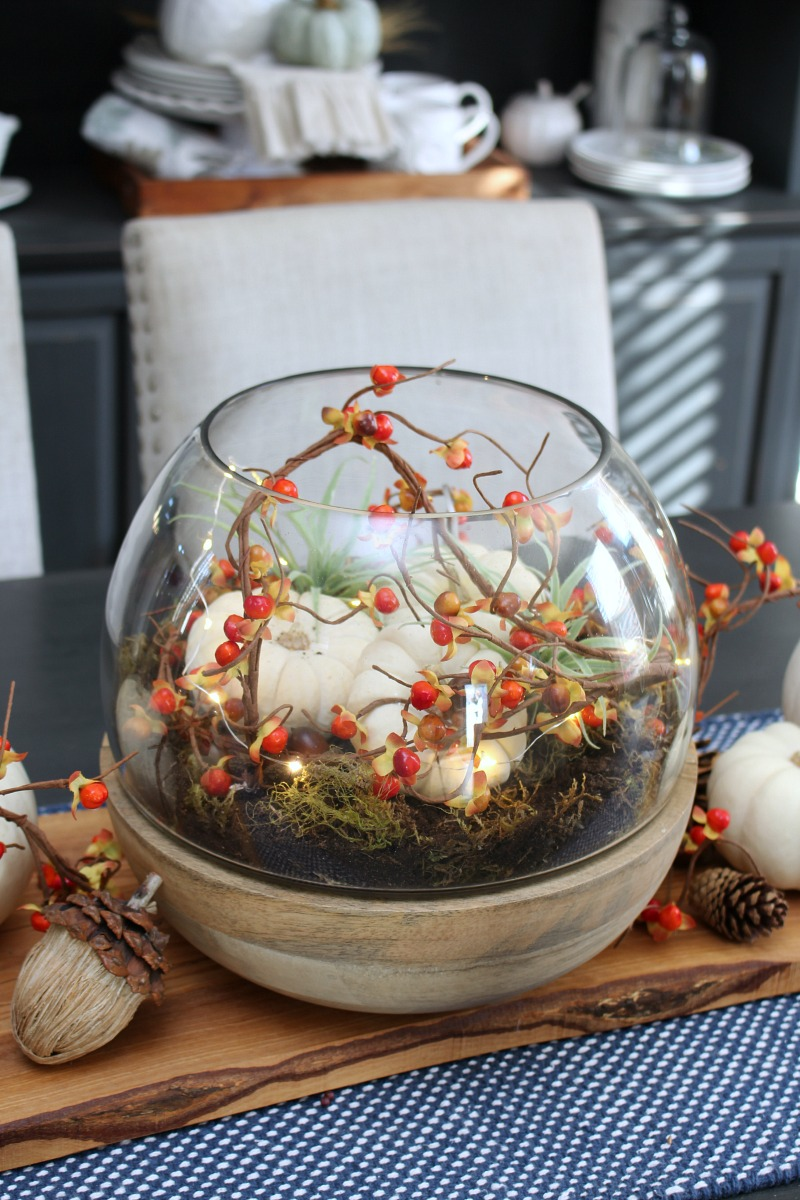 Lighted fall terrarium. All you need is 10 minutes for this simple fall decoration!